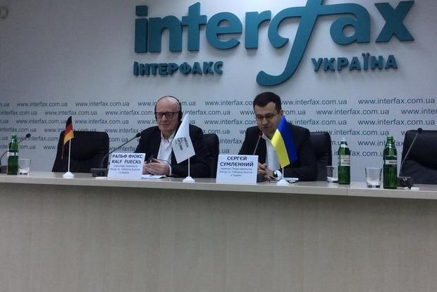 Киев или предоставит план урегулирования ситуации на Донбассе, или потеряет Германию как союзника