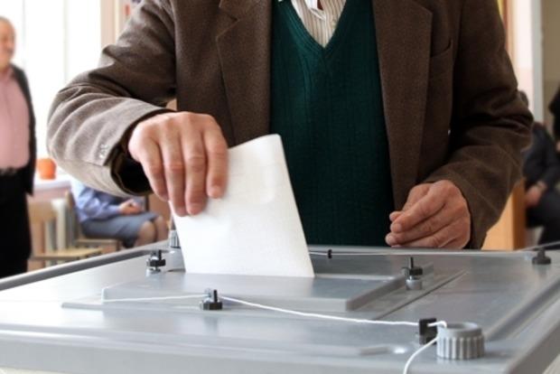 Рада назначила досрочные выборы поселкового и 21 сельского председателя