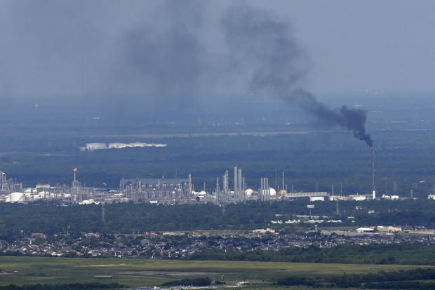 Из-за урагана воздух в Хьюстоне полностью отравлен