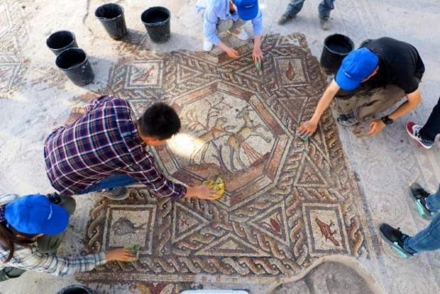 Ученые обнаружили в Израиле 1700-летнюю мозаику