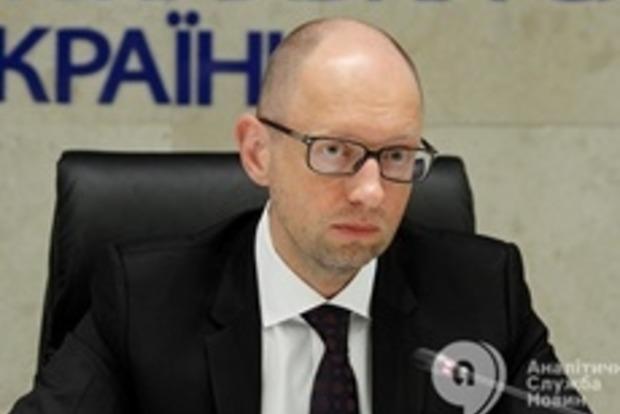 Яценюк: Общий объем задолженности по зарплатам на местах составляет 53,4 млн гривен