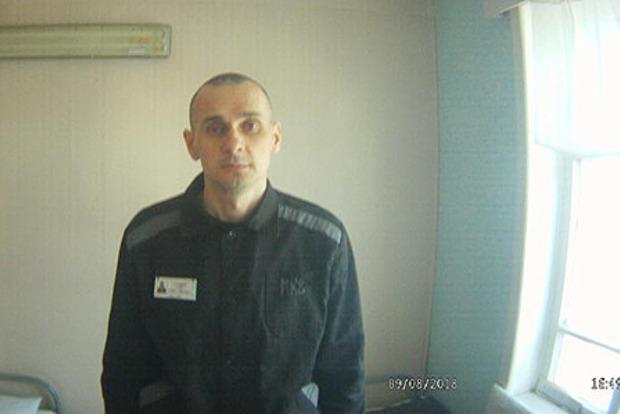 США и Франция призвали Путина освободить Сенцова
