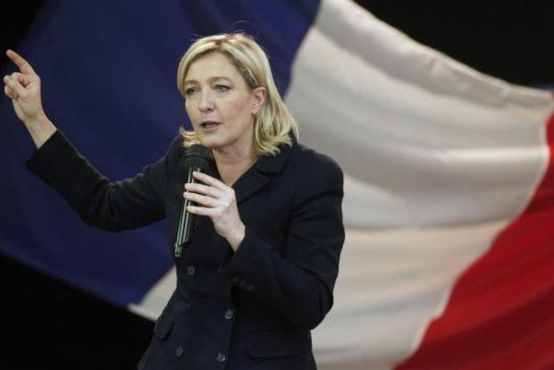Европарламент начал процедуру лишения Ле Пен иммунитета