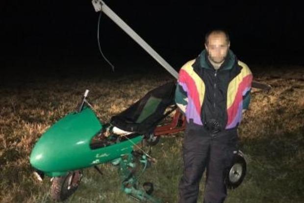 В Черновицкой области задержан пилот, который хотел вылететь из Украины на дельтаплане
