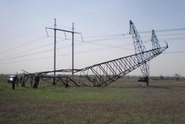 Восстановлена работа подорванных двух электроопор возле Чонгара