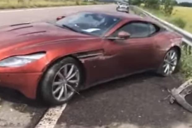 Днепрянин бросил на трассе Aston Martin за 7 млн грн и умчался в аэропорт