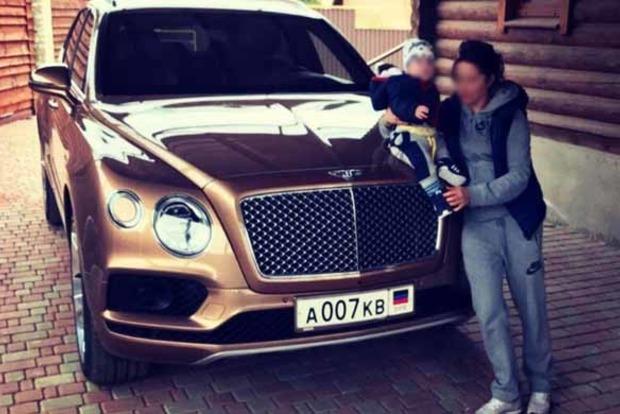 В Донецке замечен самый дорогой в мире внедорожник Bentley Bentayga