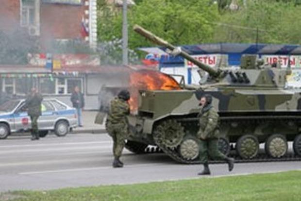 Два десантника утонули с боевой машиной на учениях в России