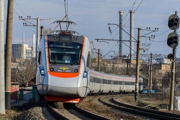 Маршрут поезда «Интерсити» Киев - Львов продлят до Польши