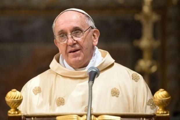 Порошенко пригласил Папу Римского в Украину