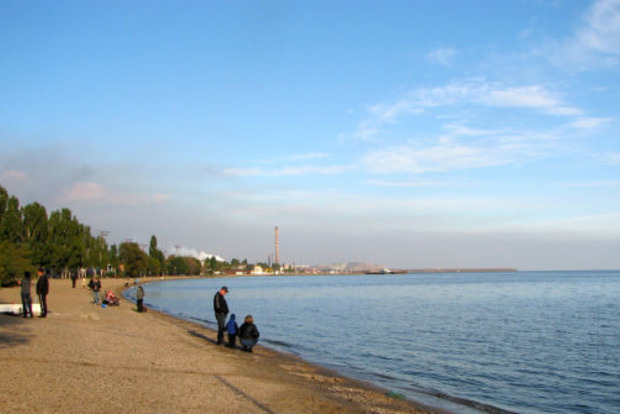 На пляже Мариуполе извращенец приставал к девятилетней девочке, - полиция
