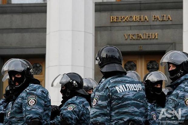 Чиновники Нацполиции были на связи с Беркутом во время преступлений на Майдане