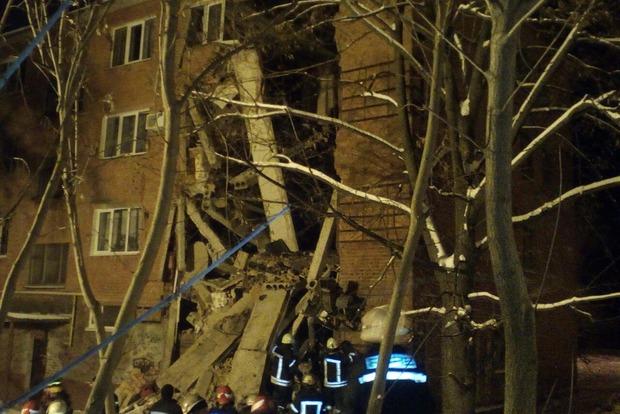 Под завалами общежития в Чернигове находятся два человека - ГСЧС