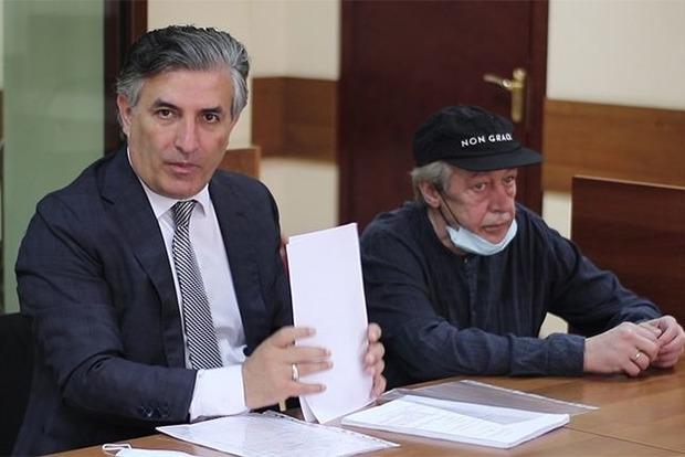 Трое потерпевших по делу Ефремова заявили к артисту иск на 1 рубль