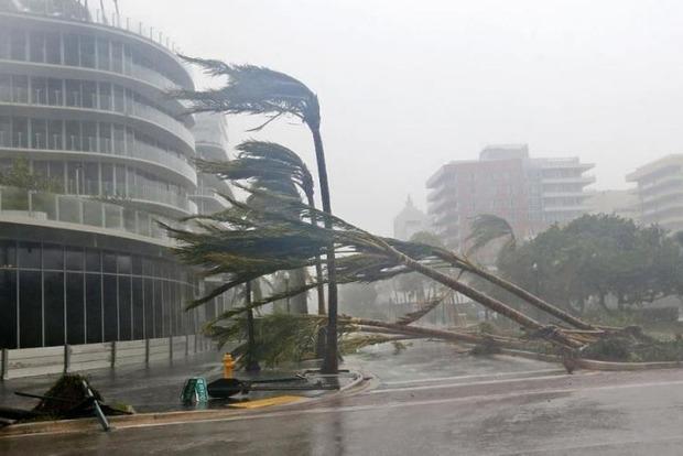 После землетрясения на Мексику несется ураган