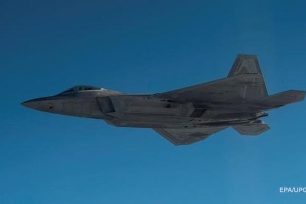 КНДР не дремлет: США перебросят в Южную Корею шесть истребителей