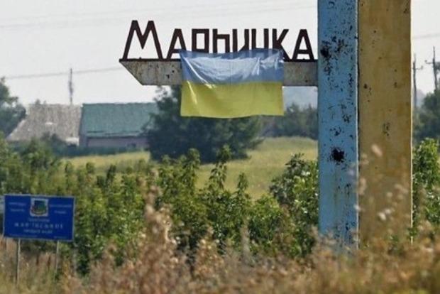 Боевики обстреляли пункт пропуска Марьинка из гранатометов