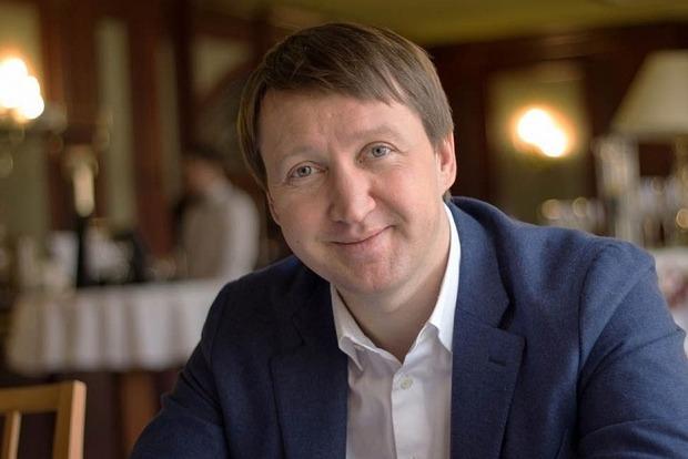 Гройсман поблагодарил уволившегося министра Кутового за профессионализм