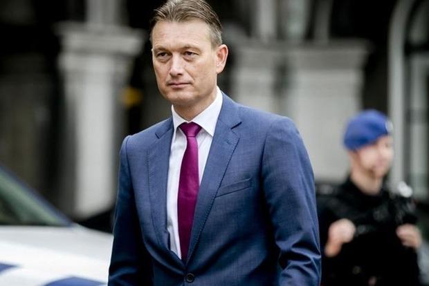 Глава МЗС Нідерландів подав у відставку через брехню про зустріч з Путіним
