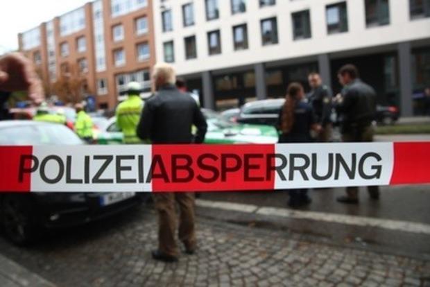 Пьяный немец зиганул и избил подростка-беженца