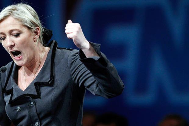 Суд назначил Ле Пен психиатрическую экспертизу