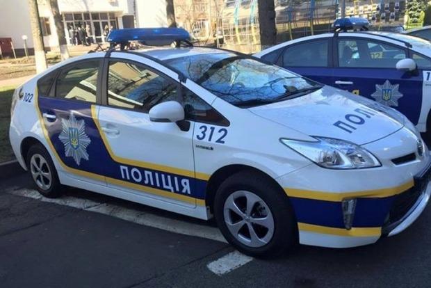 Шоколадная банда: в центре Киева преступники в масках ограбили магазин со сладостями
