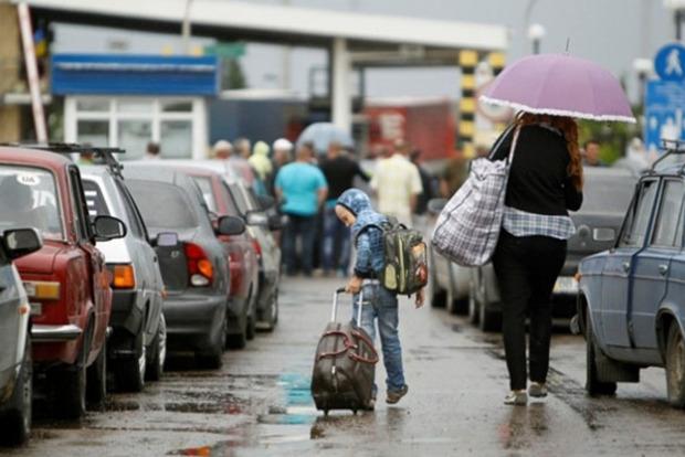 Экономист: Каждый 15-й украинец уехал работать в Польшу, 308 тыс. уплачивают там ЕСВ