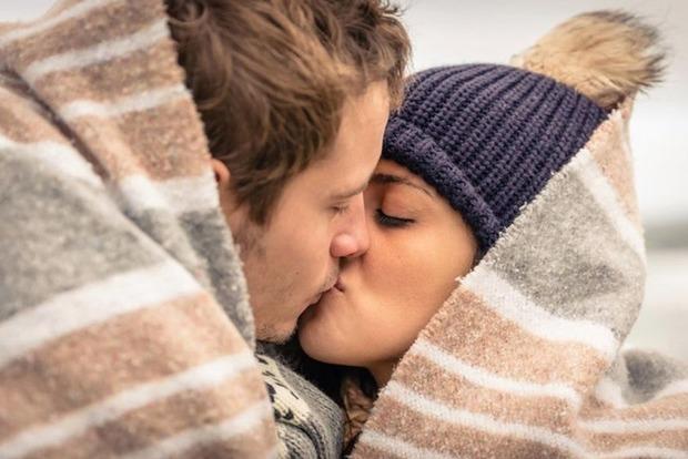 Медики предупредили о возможности заражения раком желудка через поцелуй