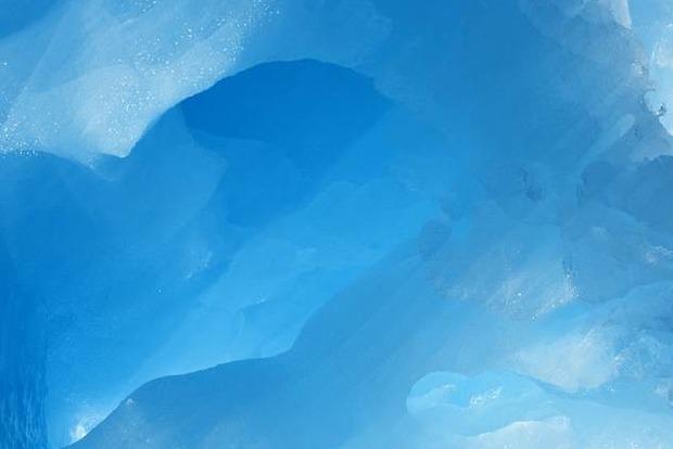 Найбільший у світі айсберг доплив до екватора і майже розтанув
