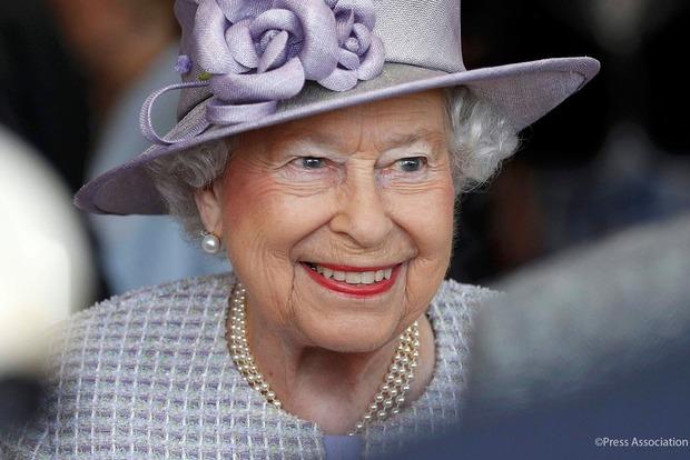 Королеву Великобритании Елизавету II вся страна поздравляет с днем рождения
