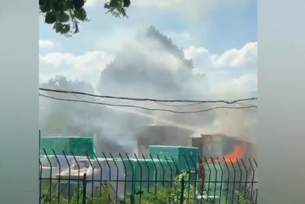 В Запорожье горят склады Эпицентра