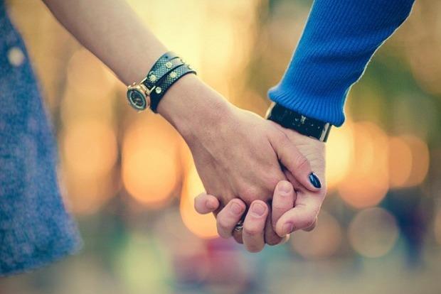 Будьте нежны и романтичны: любовный гороскоп на 17 ноября