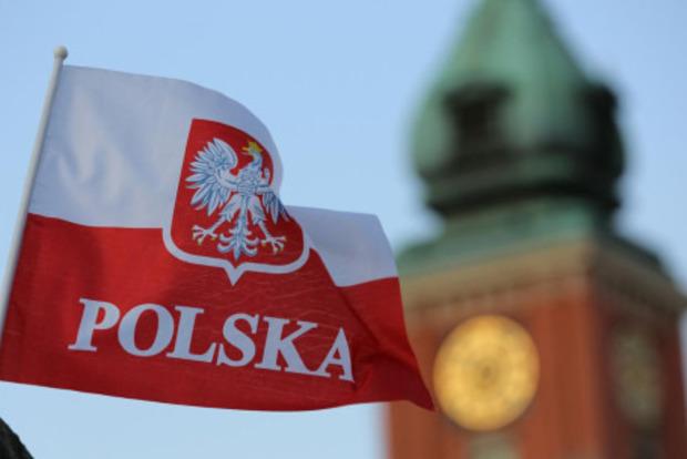 Поляки, пытаясь удержать украинцев после безвиза, подняли им зарплаты