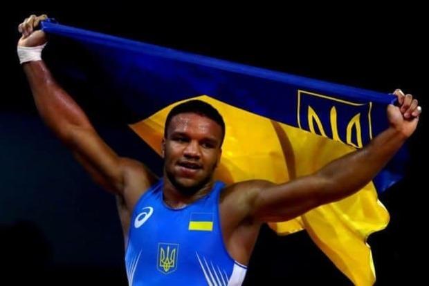 Первое золото Украине на Олимпиаде принес борец Жан Беленюк