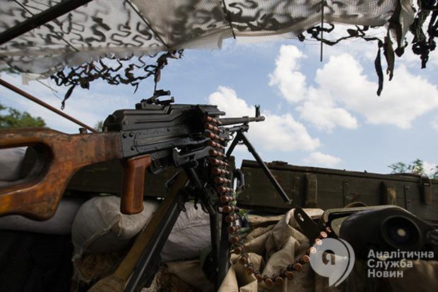 В АТО продолжается обострение, ранен один боец ВСУ