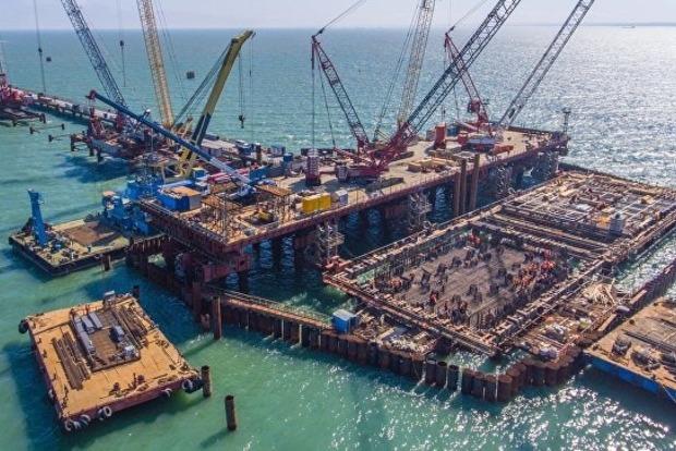 Строительство РФ Керченского моста может привести к экологической катастрофе