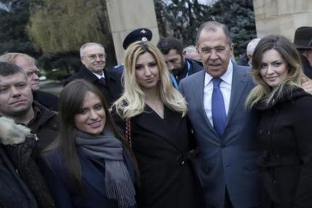 На фото с Лавровым замечен активист, причастный к попытке переворота в Черногории