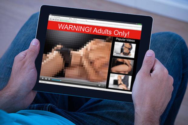 Порносайт поможет застуканным за просмотром видео для взрослых