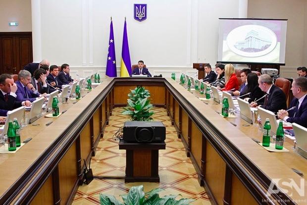Комитет одобрил отчет о деятельности правительства за 2016 год