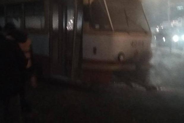 Трамвай с пассажирами загорелся на ходу в Одессе