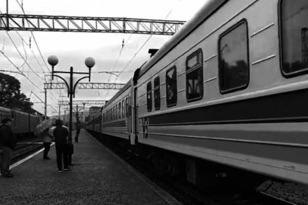 В Закарпатье прибыл первый после карантина поезд (ВИДЕО)
