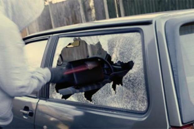 В Ровно грабители вытащили из машины сумку почти с миллионом гривен