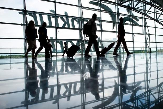 Украинцев бросили на Кипре, потому что в Борисполе отказались дезинфицировать самолет