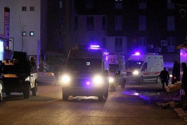 В результате взрыва на военной базе в Турции ранены 25 человек