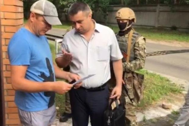 Нардеп опубликовал фото следователя ГПУ и спецназа, которые пришли домой к Ляшко (фото)