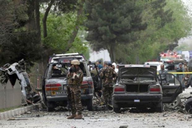 Смертник взорвал автомобиль в Афганистане, много жертв