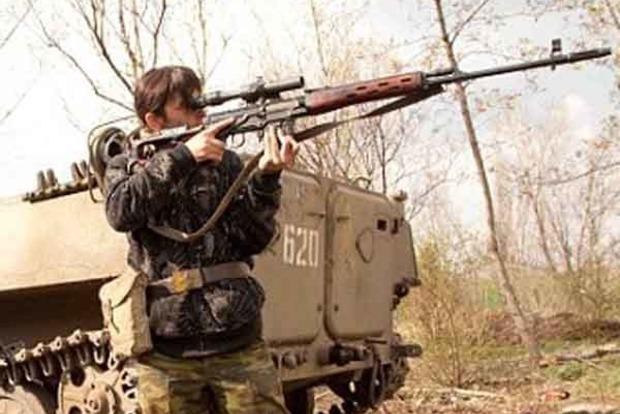 Биатлонистки сборной РФ на Донбассе «тренируются» в стрельбе на бойцах ВСУ