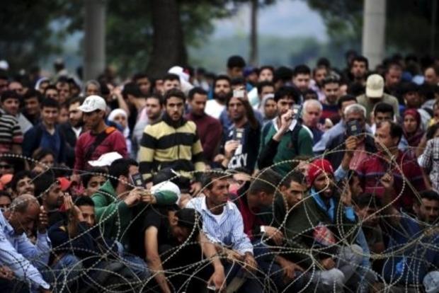 Въезд для беженцев ограничили в Сербии и Македонии
