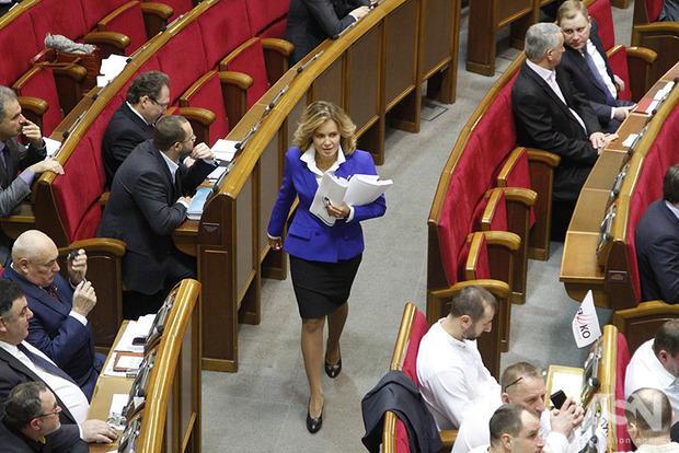 49 депутатів оскаржують пенсійну реформу вКС