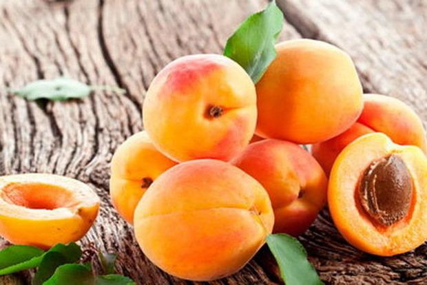 Абрикосовый сезон. Кому можно есть эти фрукты, а кому они противопоказаны